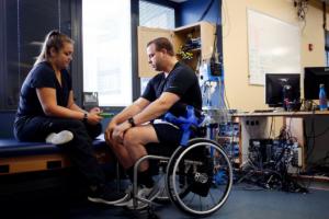 新技术助力瘫痪病人重新行走2