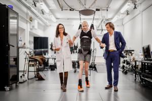新技术助力瘫痪病人重新行走4